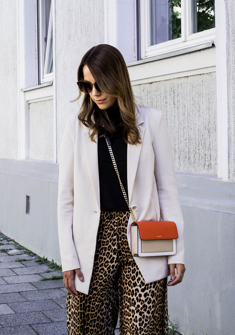 FIVE DAYS WITHOUT A NEW OUTFIT — LEO CULOTTES, BLAZER & SANDALS