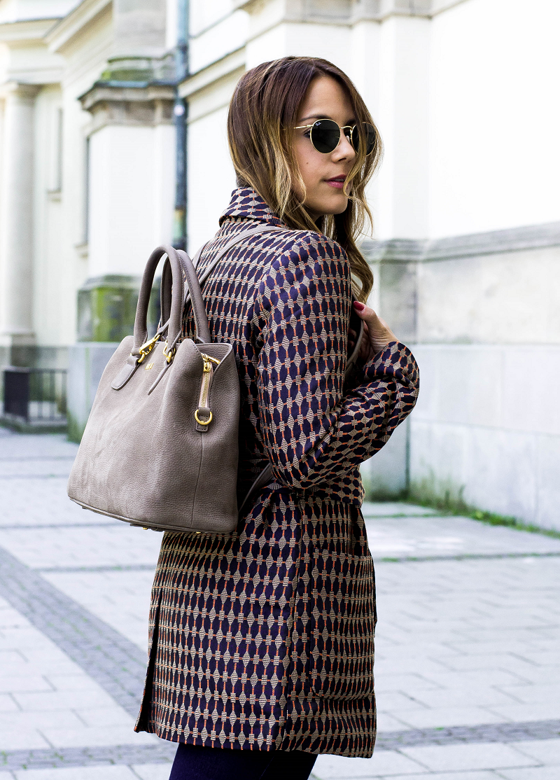 MULES, FLARED JEANS & THE MULTIFUNCTIONAL BAG BY ANY DI MUNICH